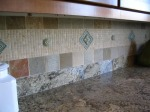 kitchen-tile-backsplash-odd-pattern