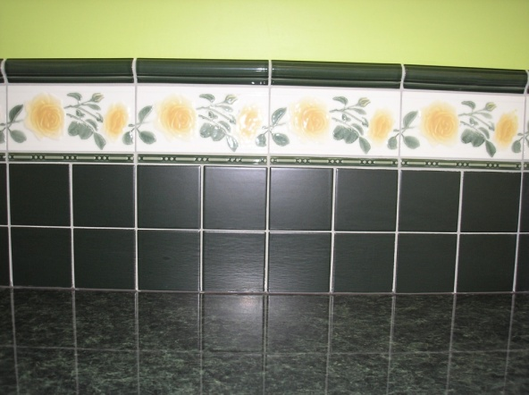 http://dekortv.files.wordpress.com/2011/01/kitchen-tiles-closeup.jpg?w=592&h=443